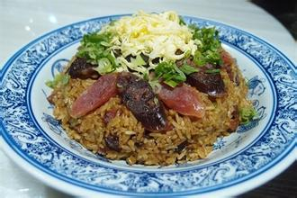 板栗腊味糯米饭
