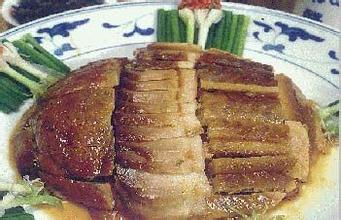 缸腌臘豬肉