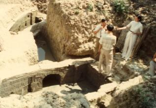 祖关山墓葬群