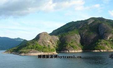 麻源三谷丹霞地貌景區