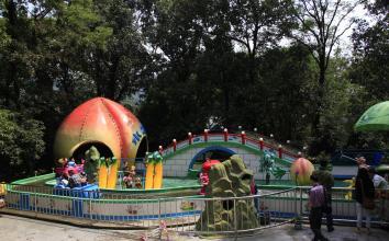 万宝湖儿童公园