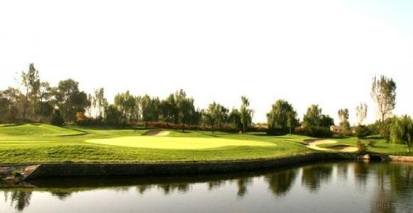 華堂國際高爾夫球場