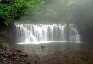 吊水壶瀑布