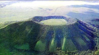 格拉球山天池