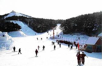 牧護關滑雪場